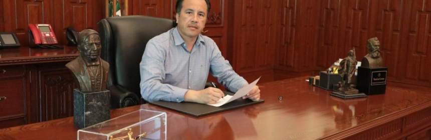 Fotografía del gobernador de Veracruz Cuitláhuac García